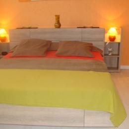 Chambre d'hôtes avec sa salle d'eau - Lisle sur Tarn - Tarn - Chambre d'hôtes - Lisle-sur-Tarn