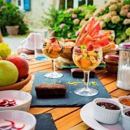 Petit déjeuner chaque jour différent - Chambre d'hôtes - Damiatte
