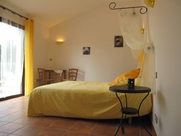 Chambre - Saint Sulpice - Tarn -  - Chambre d'hôtes - Saint-Sulpice
