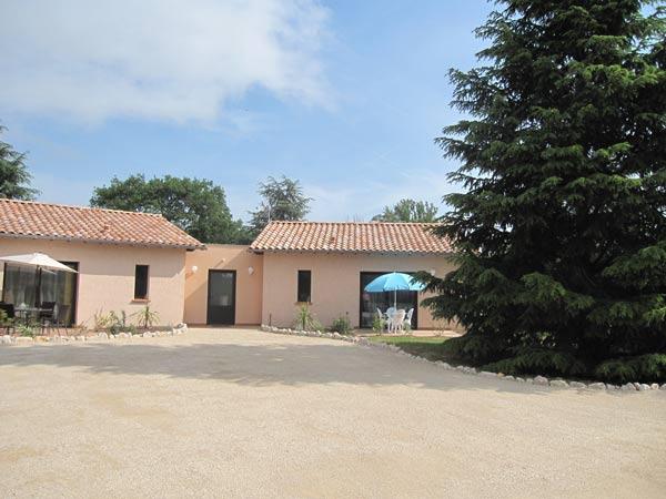 Vue chambres et terrasses  privées - Saint - Sulpice - Tarn -  - Chambre d'hôtes - Saint-Sulpice