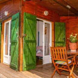 terasse couverte chalet a castelnau de montmiral  tarn - Location de vacances - Castelnau-de-Montmiral