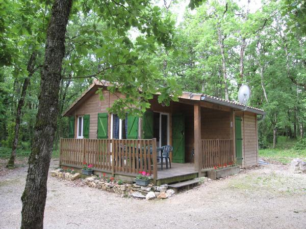 Terrasse chalet , espace boisé - Penne - Tarn - - Location de vacances - Penne