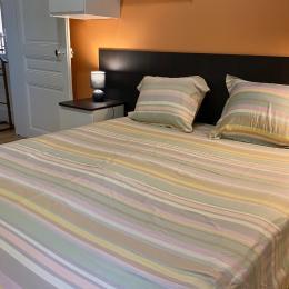 Sénouillac - Tarn - terrasse couverte avec salon de jardin - Location de vacances - Senouillac