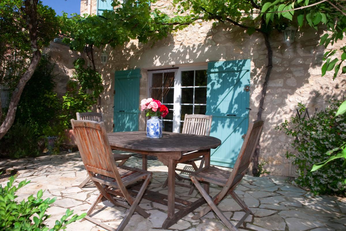 Terrasse donnant de la cuisine et du séjour - Location de vacances - Loubers