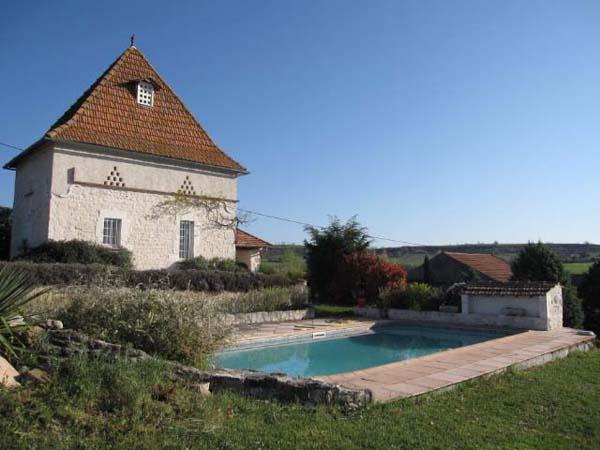 Vue gîte et piscine - Castelnau-de-lévis - Tarn - Location de vacances - Castelnau-de-Lévis