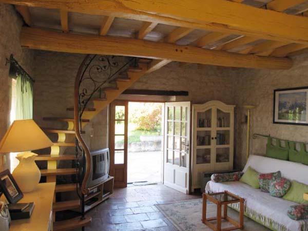 Salon , accès extérieur  - Castelnau-de-lévis - Tarn - Location de vacances - Castelnau-de-Lévis