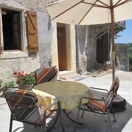 Salon de jardin - Senouillac - Tarn - Location de vacances - Senouillac