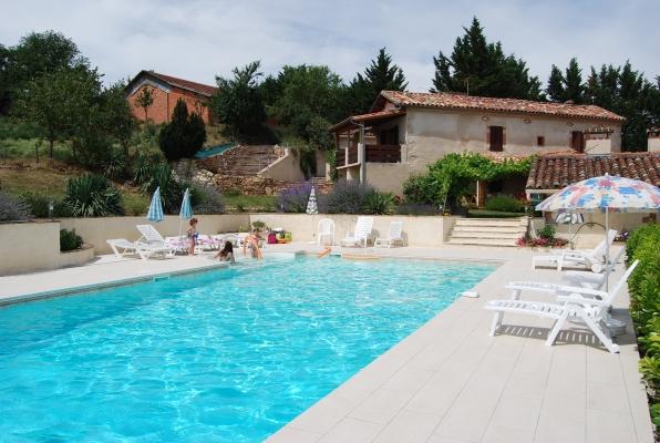 Vue piscine  - Cadalen - Tarn - Location de vacances - Cadalen