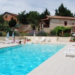 Vue maison , piscine - Cadalen - Tarn - Location de vacances - Cadalen