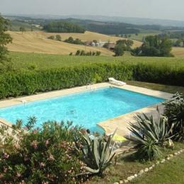 coin piscine  - Cadalen - Tarn - Location de vacances - Cadalen
