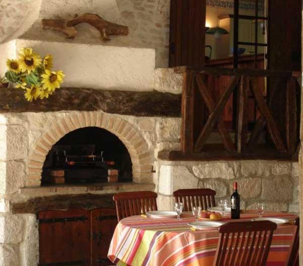 Coin repas, pièce a vivre  - Castelnau-de-lévis - Tarn - Location de vacances - Castelnau-de-Lévis
