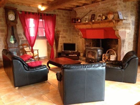 Salon cheminée - Penne - Tarn - - Location de vacances - Penne