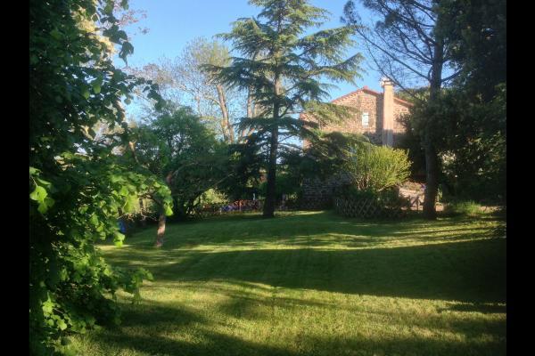 Jardin arborė  - Monestiés - Tarn  - Location de vacances - Monestiés