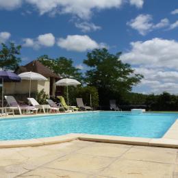 espace piscine - Location de vacances - Monestiés