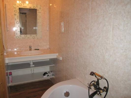 Salle de bain  - Cordes sur ciel - Tarn - Grand Site Occitanie - sud ouest - Location de vacances - Cordes-sur-Ciel
