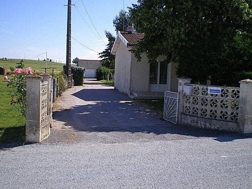 Façade du gite coté sud - Vielmur sur Agout - Tarn - - Location de vacances - Vielmur-sur-Agout