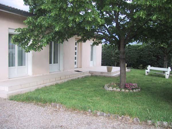 Ombrage par deux tilleuls en façade  - Vielmur sur Agout - Tarn - - Location de vacances - Vielmur-sur-Agout