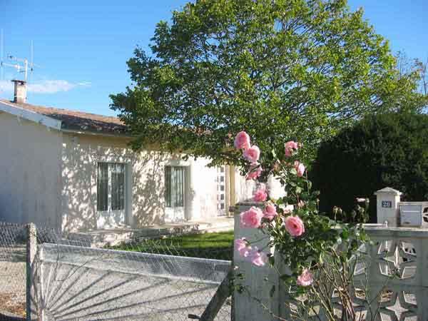 Entrée servant de parking privé  - Vielmur sur Agout - Tarn - - Location de vacances - Vielmur-sur-Agout