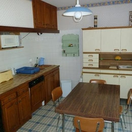 Cuisine intégrée avec espace confortable  - Vielmur sur Agout - Tarn - - Location de vacances - Vielmur-sur-Agout