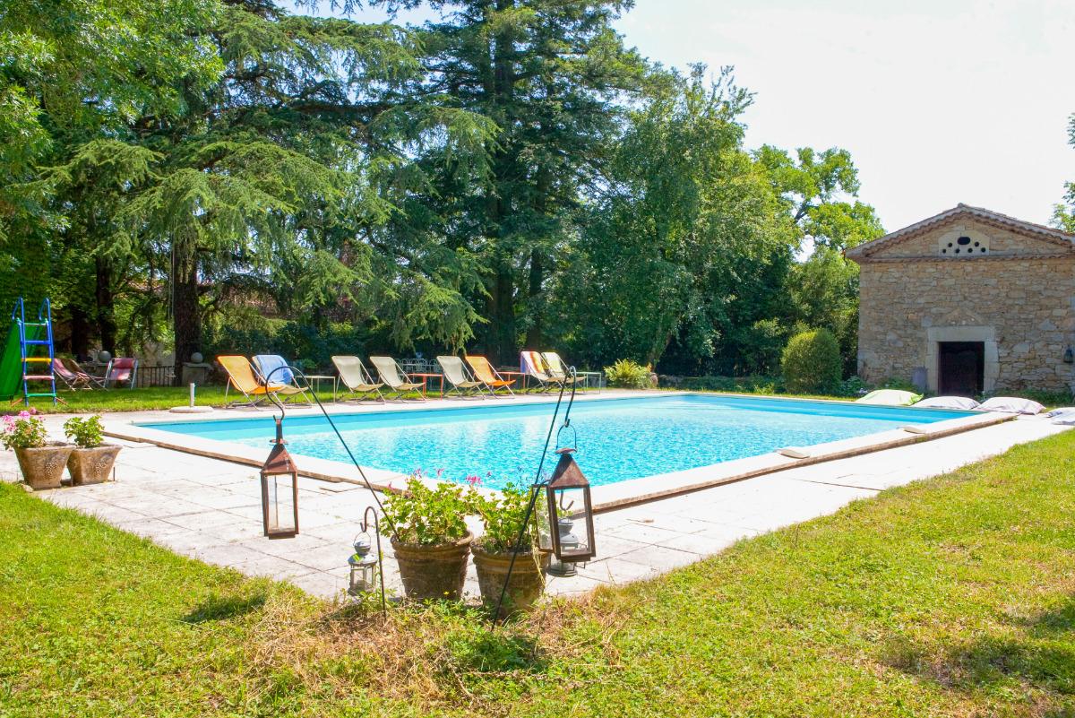 Verger de l'Espargne - espace piscine et son pigeonnier pour des après-midi de farniente - Location de vacances - Saint-Germier