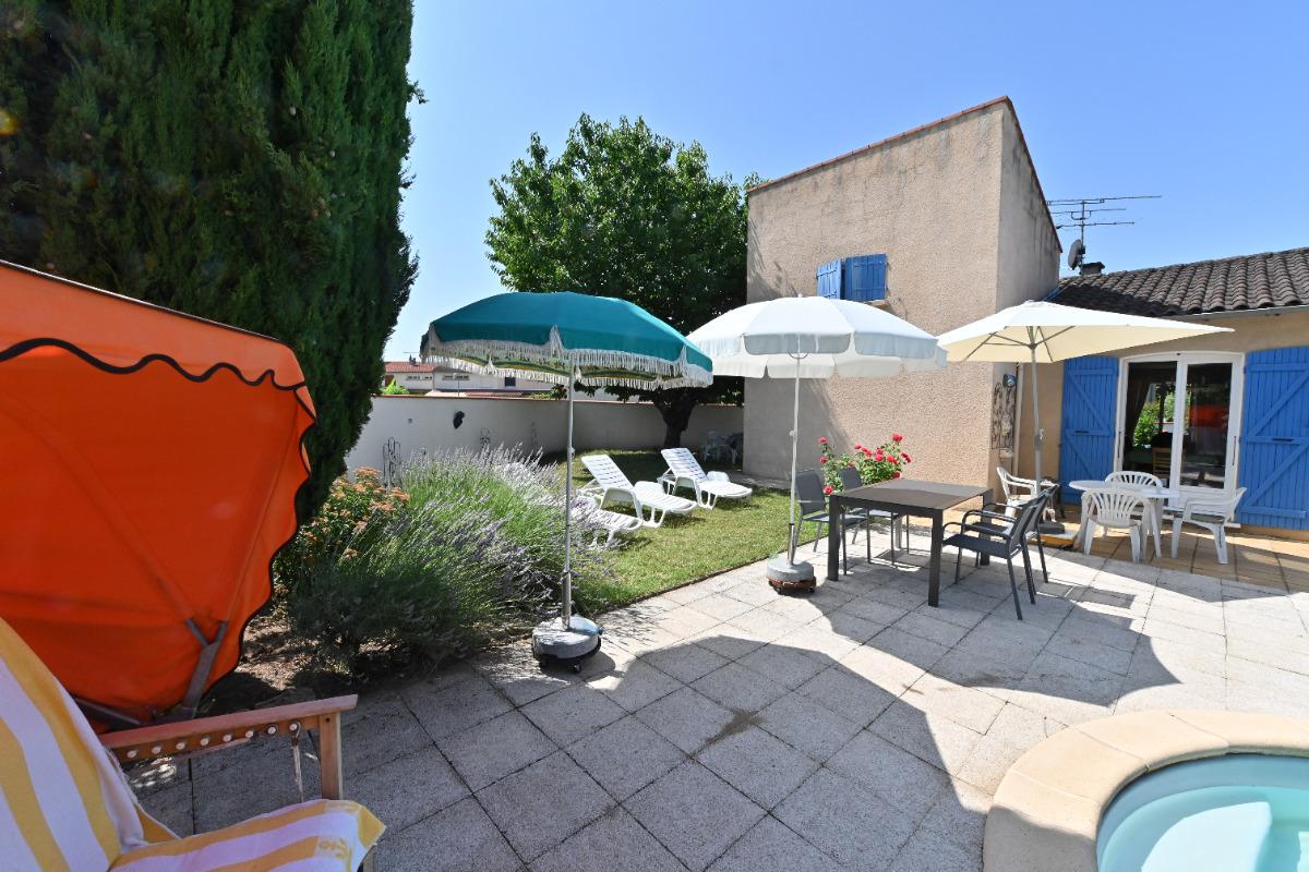 Jardin juin 2019 - Location de vacances - Saint-Juéry