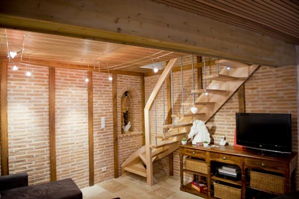 Accés étage coin salon - Albi - Tarn - Location de vacances - Albi
