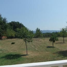Vue terrasse arrière maison - Location de vacances - Soual