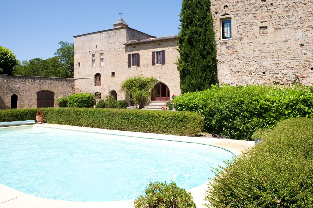 piscine dans la cour intérieure - Location de vacances - Vénès
