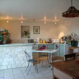 Séjour, cuisine, coin repas  - Sainte Croix - Tarn - - Location de vacances - Sainte-Croix