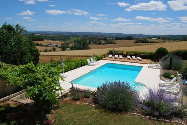 vue sur la piscine  - Cadalen - Tarn - Location de vacances - Cadalen