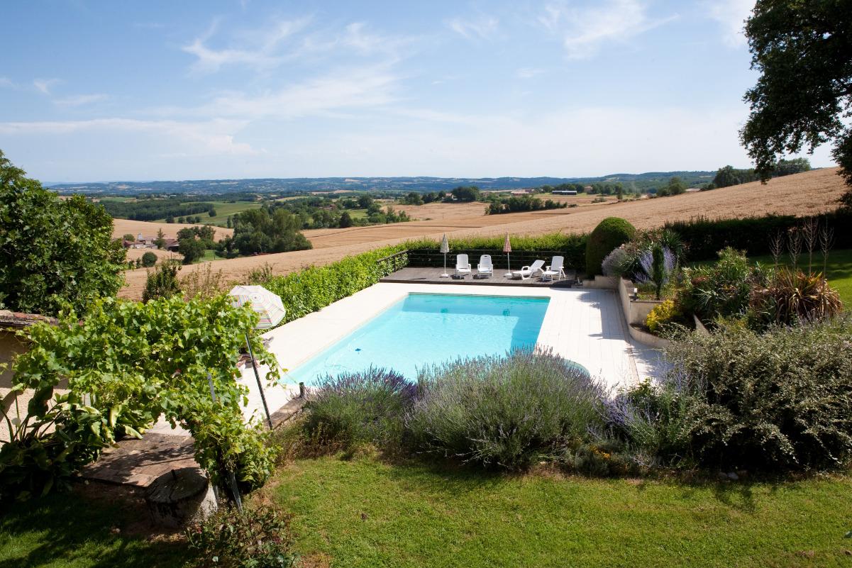 piscine vue sur la vallée - Location de vacances - Cadalen