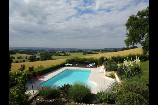 piscine avec panorama vallée  - Cadalen - Tarn - Location de vacances - Cadalen