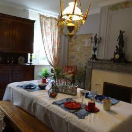 Le salon du petit-déjeuner  - Dourgne - Tarn - - Chambre d'hôtes - Dourgne
