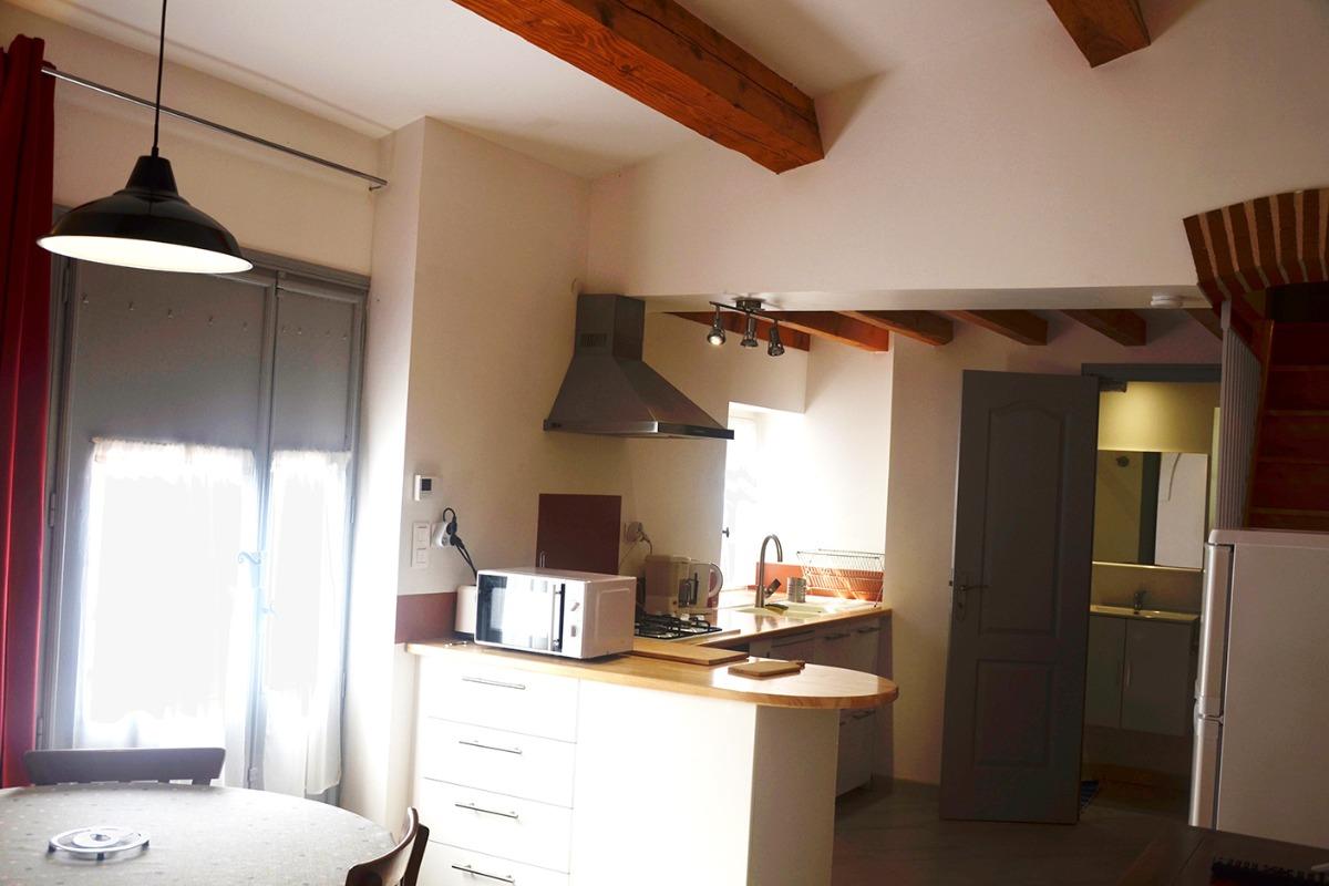 coin cuisine  - Location de vacances - Poulan-Pouzols