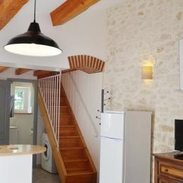 accés à l'étage   - Location de vacances - Poulan-Pouzols