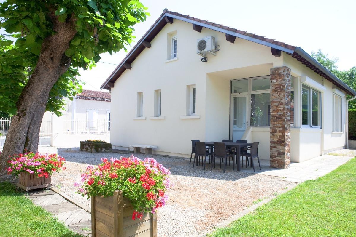 Gîte Le Tilleul - Castres - Tarn - côté cour - Location de vacances - Castres