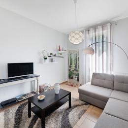 Gîte Le Tilleul - Castres - Tarn - salle à manger - salon - Location de vacances - Castres