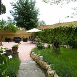Le Chai Boissel: espace vert avec jeux pour enfants - Location de vacances - Gaillac