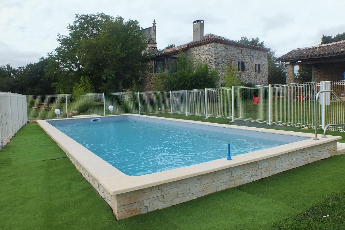 piscine gites de Joanny- Penne-Tarn-gorges Aveyron - Location de vacances - Penne