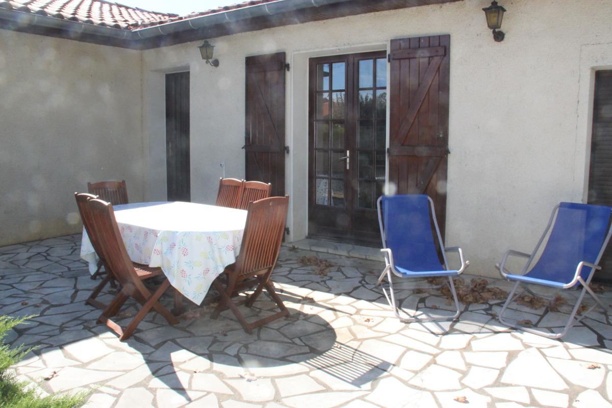 Maison à Lisle sur Tarn terrasse - Location de vacances - Lisle-sur-Tarn