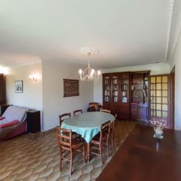 Maison à Lisle sur Tarn salle à manger salon  - Location de vacances - Lisle-sur-Tarn