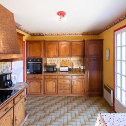 Maison à Lisle sur Tarn cuisine - Location de vacances - Lisle-sur-Tarn