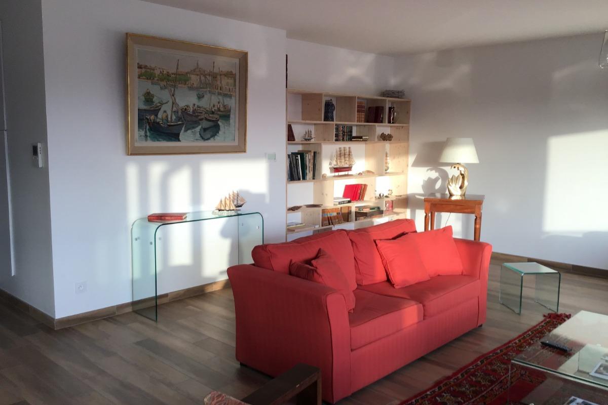 Salon donnant sur terrasse Albi  gite  Le Raphael - Location de vacances - Albi