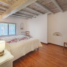 Gîte Les Mesanges à Saïx près de Castres dans le Tarn en région occitanie  : Petit salon avec canapé lit en 140 cm - Location de vacances - Saïx