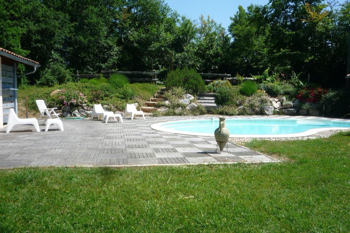 et sa piscine vous attendent - Location de vacances - Ambres