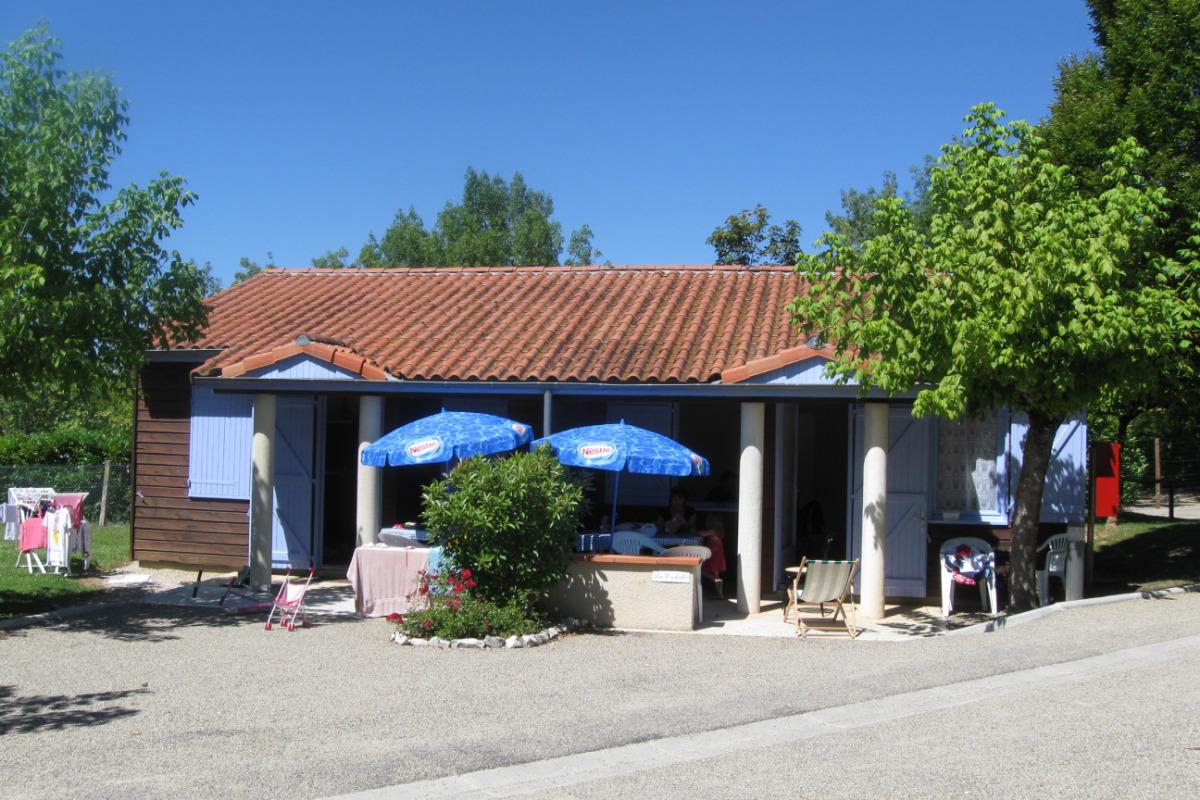Gite 4-6 personnes - Location de vacances - Montpezat-de-Quercy