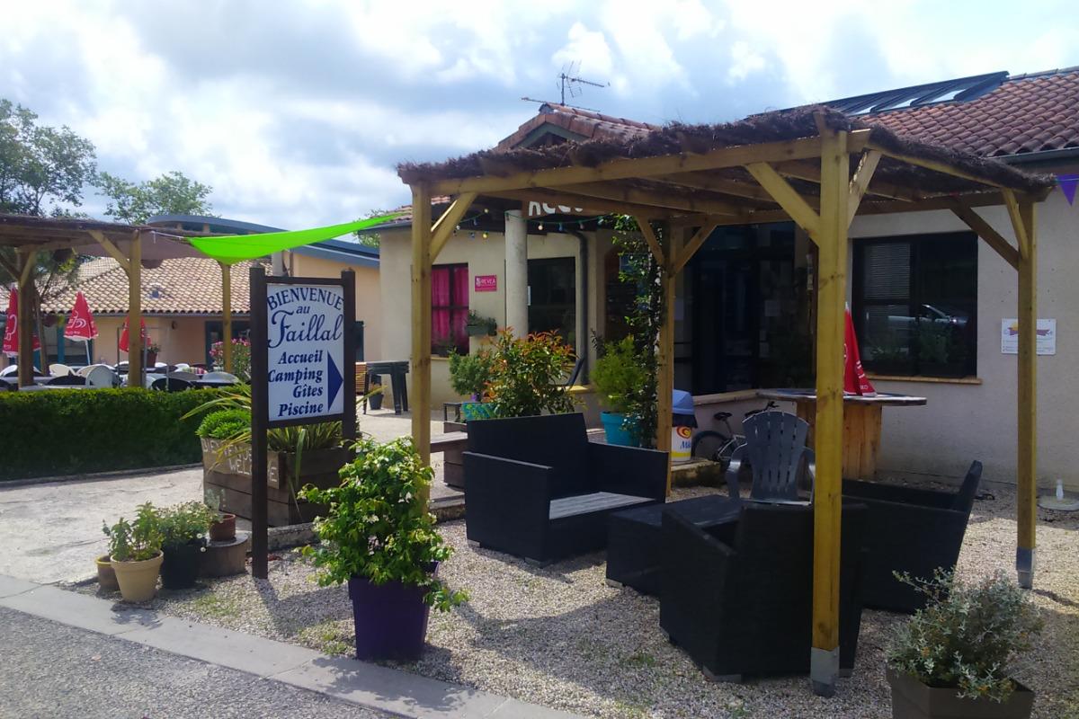 Accueil et Snack  - Location de vacances - Montpezat-de-Quercy