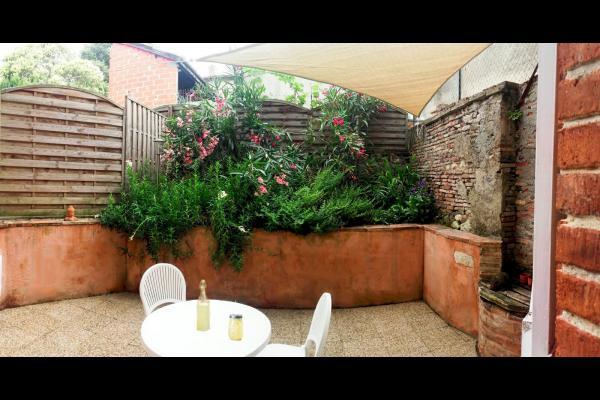 vue sur la terrasse - Location de vacances - Beaumont-de-Lomagne