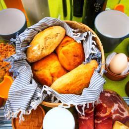 petit déjeuner - Chambre d'hôtes - Labastide-de-Penne