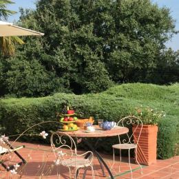 salon, côté intime - Location de vacances - Gariès